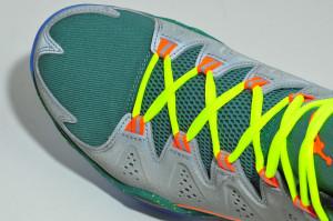鞋頭 M 字輪廓裁切